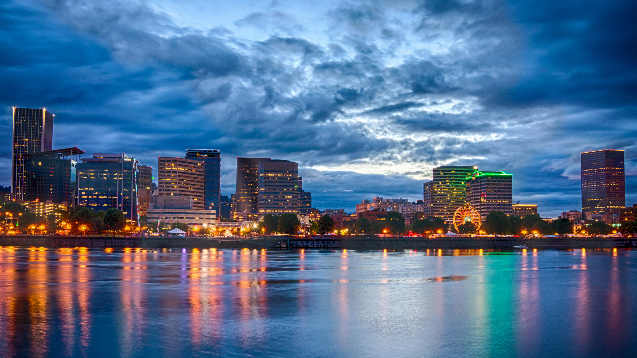 Willamette River in downtown Portland, OR | Photo by Aaron Hockley